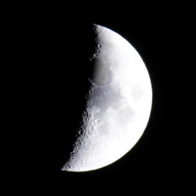 Moon crescent, Chez Maximka