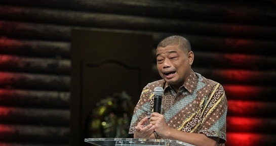 Aktivis Katolik: Romo Benny Jangan Diam Soal Pelanggaran Prokes Jokowi!