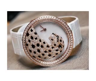 Tigre con brillantes en un sencillo reloj?