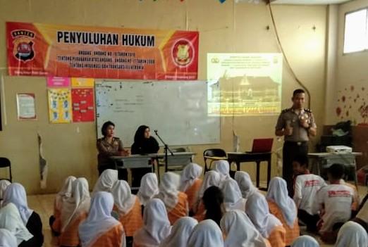 Ada apa? Bidang Hukum Polda Banten Datangi SMK Informatika Kota Serang