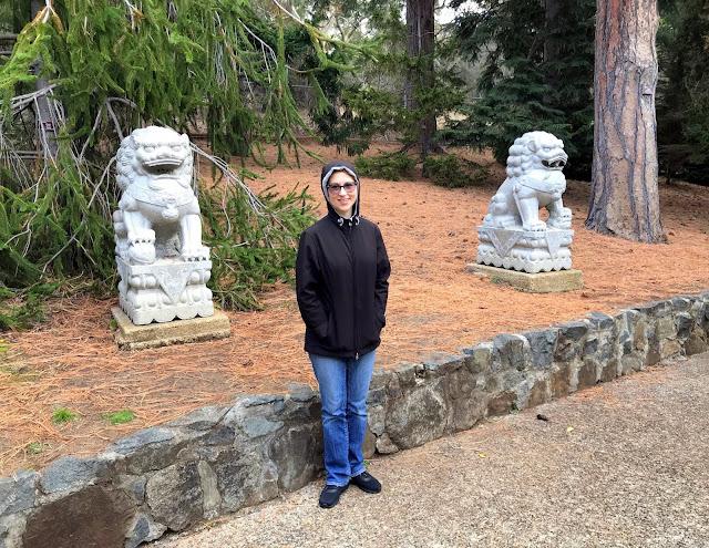 foo dog statues