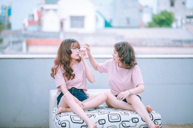 नए दोस्त बनाइये इस तरीके से   अंजान से कैसे दोस्ती करे