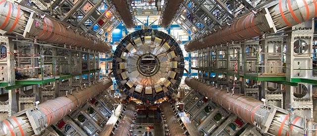 CERN: Το μεγαλύτερο επιστημονικό πείραμα με το «εργοστάσιο του μποζονίου Χιγκς»