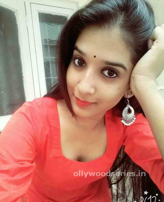 download Odia Actress Divya Mohanty 30+ Photos online