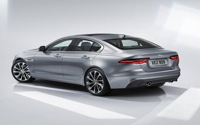 Jaguar XE 2020 sử dụng gương chiếu hậu điện tử