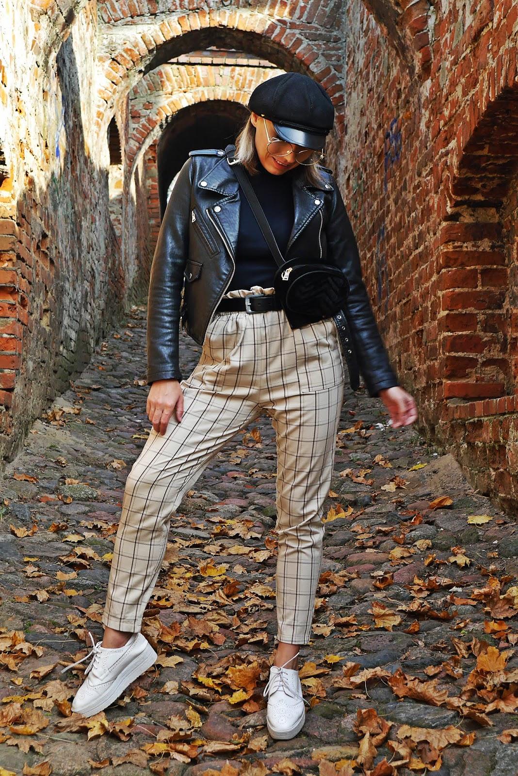 blogerka modowa ciekawy blog o modzie spodnie w kratę czarna ramoneska czapka z daszkiem karyn blog modowy