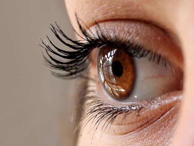 How to Improve Eyesight in Hindi