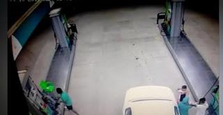 شاهد بالفيديو  سطو مسلح على محطة وقود بالسعودية