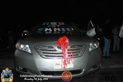 Photo: Church Buys a Brand New Car For Pastor On His Birthday