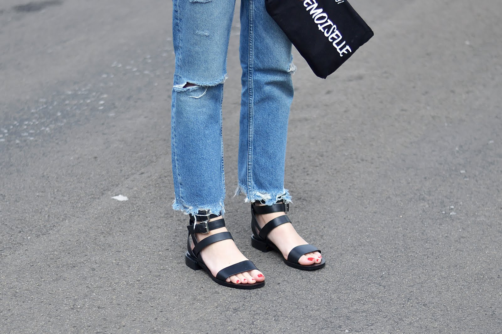 &other stories sandals, black leather, mango joe straight jeans, fringe hem, belgische mode blogger