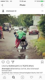 VIRAL Ibu2 Ojek Online Sambil Gendong Anak ..Semoga Sehat, Selamat dan LAncar orderanya Ya Bu...