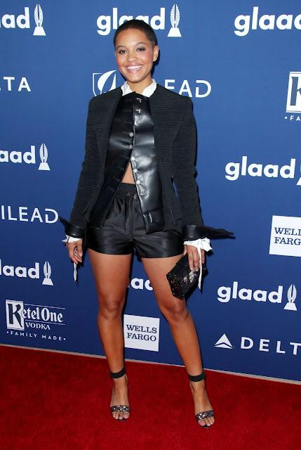 Zack Snyder's Justice League Movie Actress Kiersey Clemons Hot Photos Navel Queens