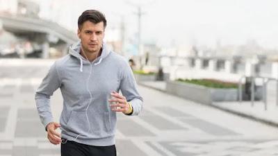 Olahraga dan diet sehat di usia paruh baya dapat menyelamatkan Anda dari kondisi kesehatan di masa depan