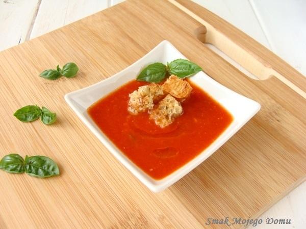 Zupa pomidorowa z pomidorów pieczonych w piekarniku