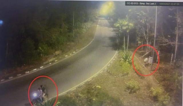 CCTV Diskominfo Batam Rekam Oknum SEngaja Matikan PJU Sei Ladi