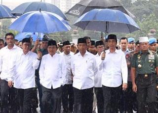 beli payung yang digunakan presiden jokowi dimana ya?