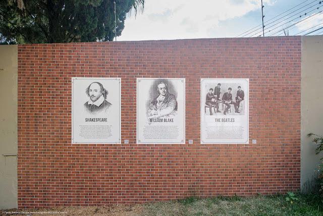 Outros três painéis de azulejos no Memorial Inglês, em Curitiba