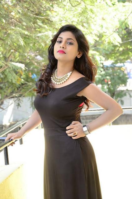south actress priyanka armpits pics