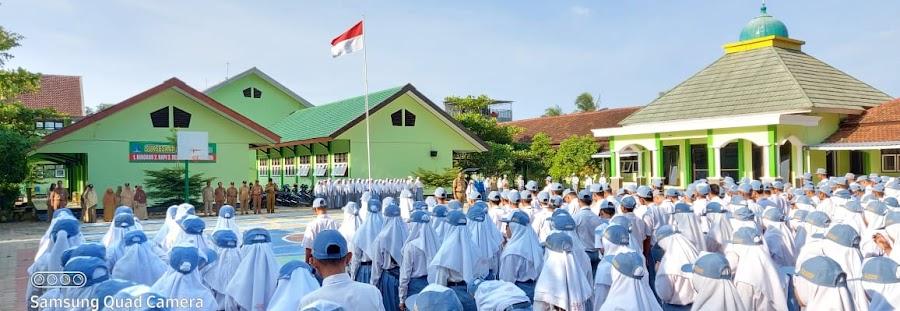 Pelaksanaan upacara bendera