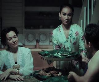 Deanna Yusoff dan Amalia Syakirah Sebagai Cik Cempaka dan Cik Kenanga dalam Filem Seram Aku Haus Darahmu,