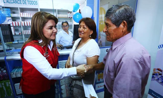 La ministra de Salud, Elizabeth Hinostroza