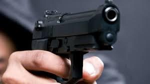 Caminhoneiro é assaltado no trevo próximo a Coamo de Cruzmaltina