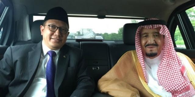 Lepas Kepergian Raja Salman, Ini Kenang-Kenangan Yang Diberikan Menteri Agama