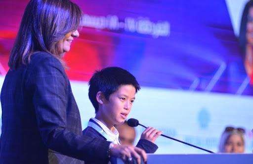 حمد حسين زناتي.. يحصد المركز الأول فى مسابقة أفضل مشروع تعليمى باليابان بعد منافسته 2500 طفل ياباني