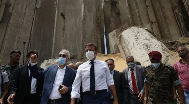 Beyrut'ta Patlama: Macron Leş Kargası Mı Yoksa Horoz Mu?