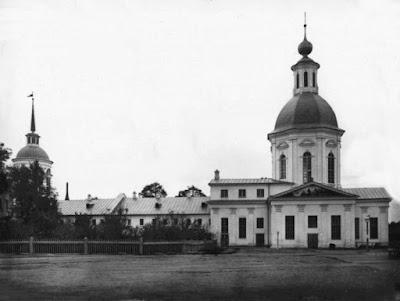 Ο Ιερός Ναός των Οσίων Ζωσιμά και Σαββάτιου από τα Σολόβκι,  η αγία τράπεζα της οποίας κατασκευάστηκε  από τον Όσιο Σεραφείμ του Σαρώφ.