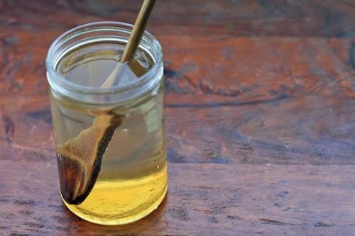 Τι συμβαίνει στο οργανισμό μας όταν πίνουμε νερό με μέλι με άδειο στομάχι