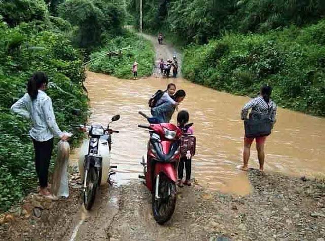 Mong manh những cây cầu vượt suối trị giá 500.000 đồng ở Lạng Sơn