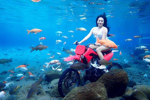 Foto Selfie dengan motor trail Umbul Ponggok Klaten