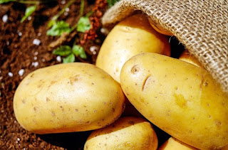 Potato: Home remedy for skin whitening