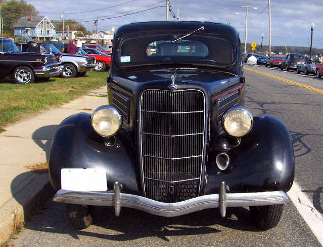 Ford 1935 front view