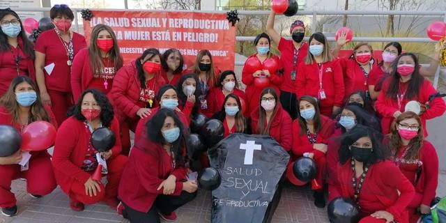 Matronas movilizadas. Foto: colegiodematronas.cl