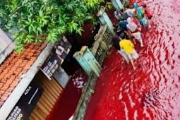 Warga Geger Dengan Banjir Pekalongan Berwarna Merah Darah