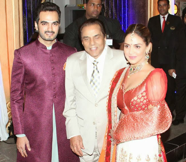 Esha Deol Engagement Pics With Sunny Deol - 0425