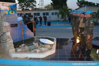 Exército reverencia militares brasileiros vitimados no terremoto de 2010, durante Missão de Paz no Haiti.