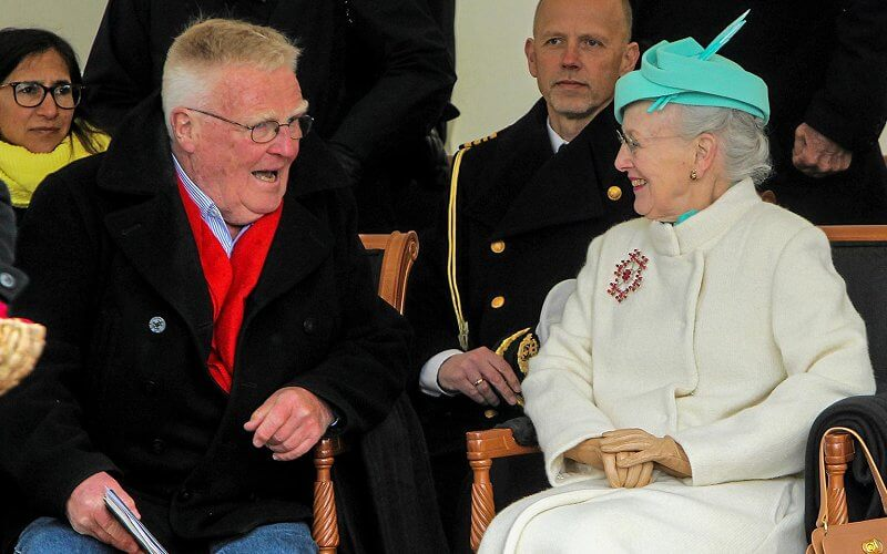 Queen Margrethe wore an ivory wool cashmere long coat. Queen owns a large snowflake diamond brooch