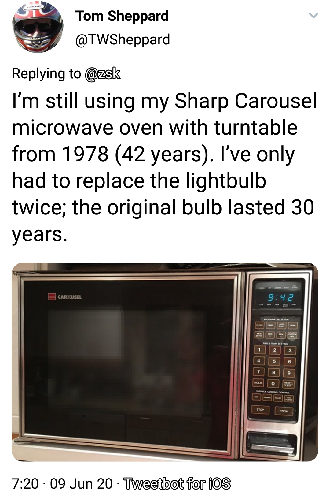 30 People Share their Old Gadgets which they still use