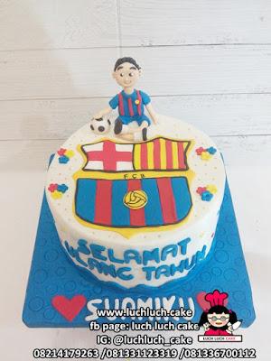 Kue Fondant Barcelona untuk Ulang Tahun Suami