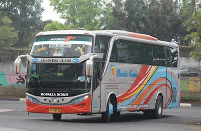 Foto Bus Rosalia Indah SHD348
