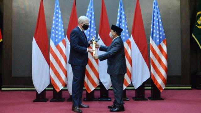 Plt Menhan AS Bertemu Prabowo Secara Tertutup, Bahas Rencana Pengadaan Alutsista
