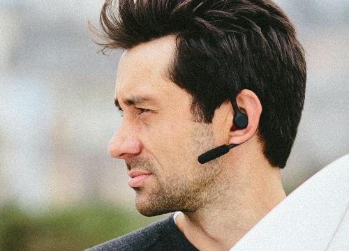 headset%2Bsmartphone.jpg