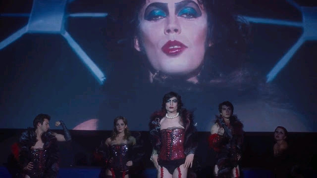 Escena emulando a The Rocky Horror Picture Show