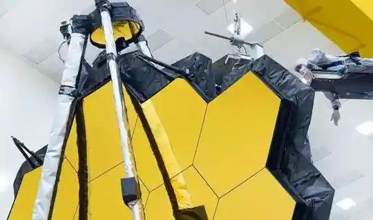The giant NASA Webb telescope succeeds in key pre-launch test