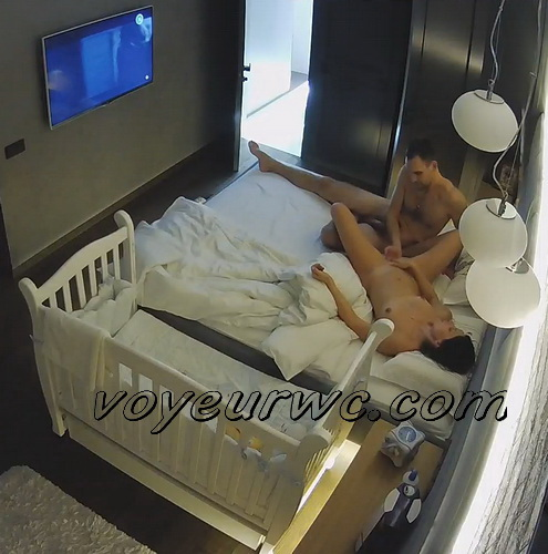 Hack in home security camera caught married couple fuck (Home Sex IP Cam 03-04)