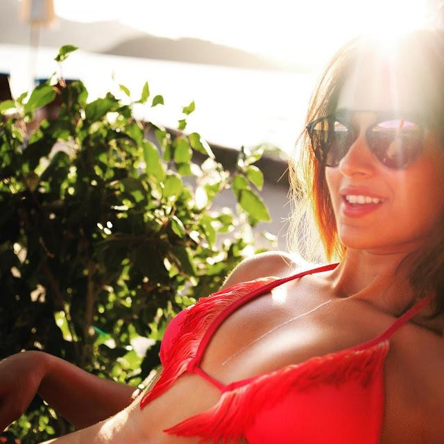 Actress ileana in bikini