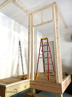 How to frame a mudroom in the garage